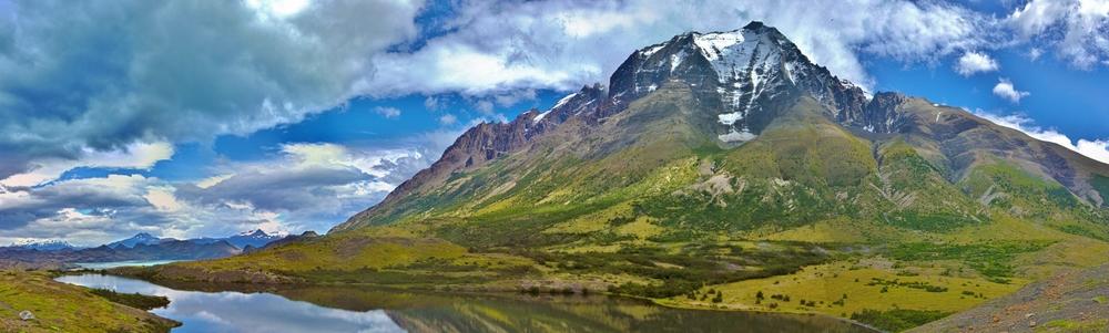 Monte Almirante Nieto and Lago Nordenskjold. Click for larger version
