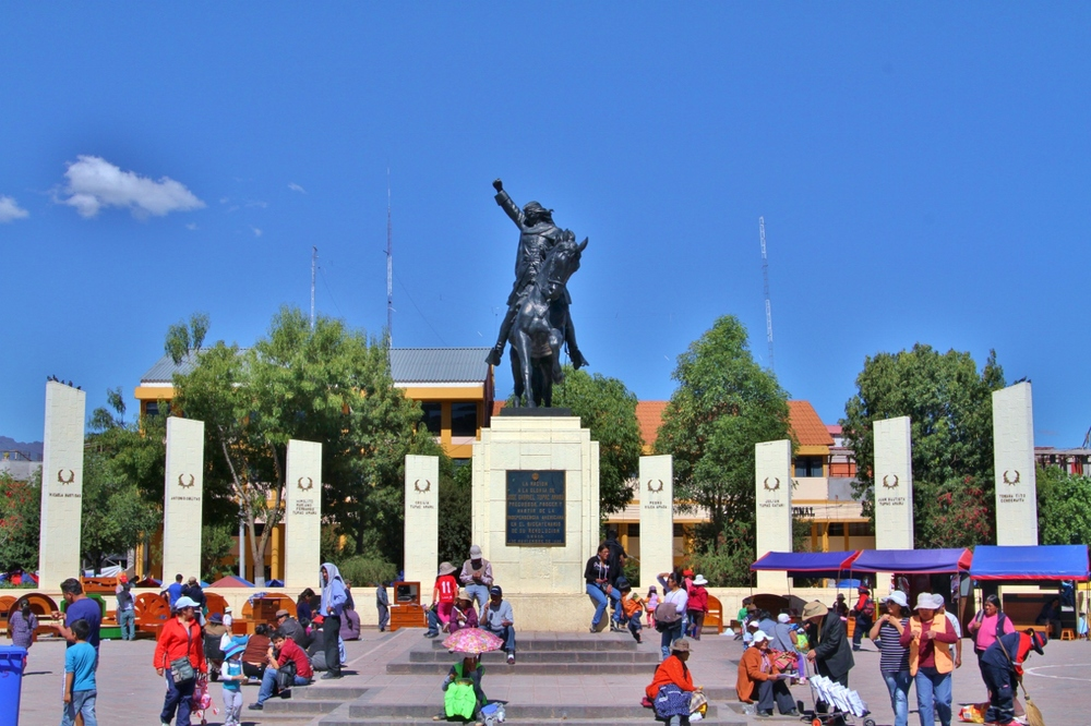 Plaza Tupac Amaru II, a memorial to the leader of the most famous (but failed) native rebellion against the Spanish in 1781