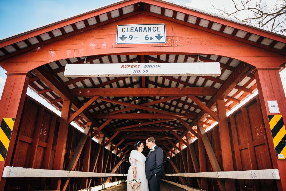 barn-at-boones-dam-wedding-0015.jpg
