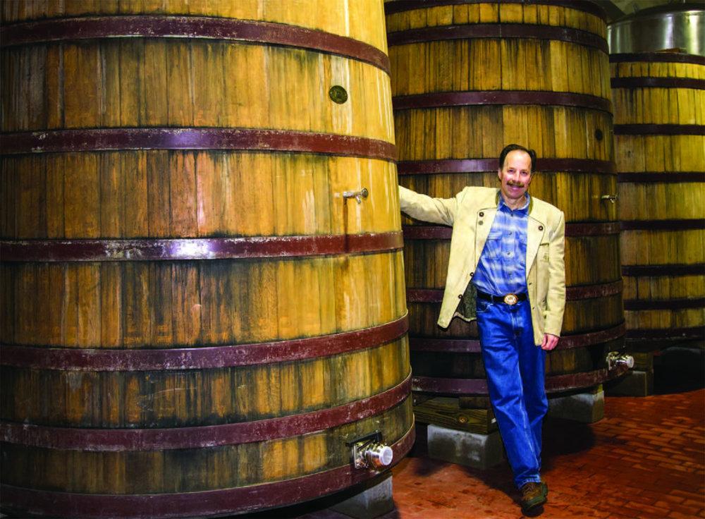 Dan Carey has beensouring beer infoeders since 1994.