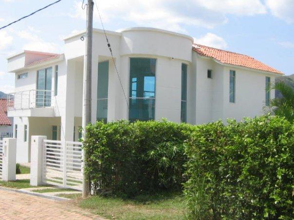 diseño espejos  de agua casas quintas.jpg