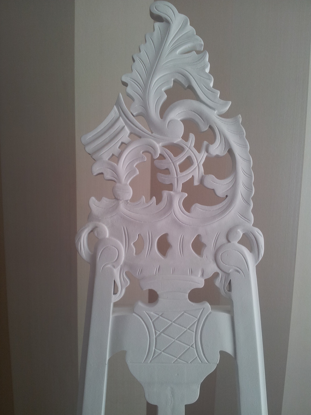 White Ornate Easel