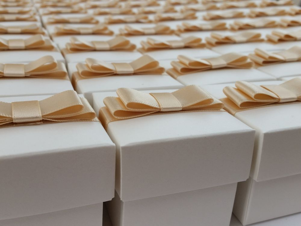 Angela - favour boxes.jpg