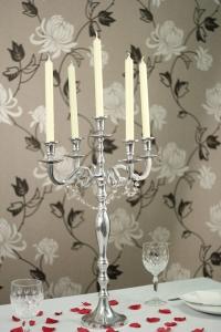 Belton 75cm candelabra.jpg
