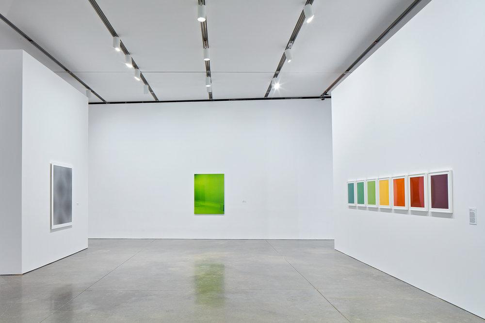 Moiré, 2007; Green Screen #5 ed. 1/5, 2001; Elevation #1 - #7, 1997. Exhibition: Liz Deschenes, ICA Boston (June 29 - October 16, 2016). Photos courtesy the artist and Miguel Abreau Gallery, New York.