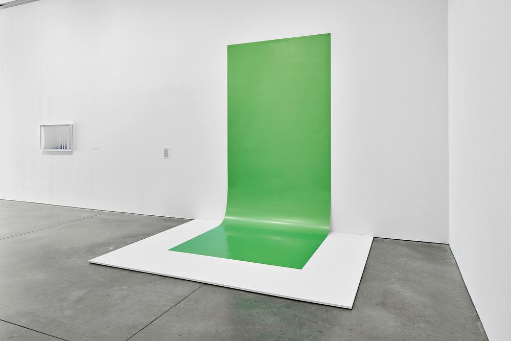 Green Screen #4, 2001/2016. Exhibition: Liz Deschenes, ICA Boston (June 29 - October 16, 2016). Photos courtesy the artist and Miguel Abreau Gallery, New York.