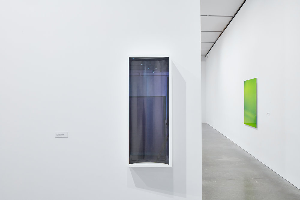Bracket #7, 2014. Green Screen #5, 2001. Exhibition: Liz Deschenes, ICA Boston (June 29 - October 16, 2016). Photos courtesy the artist and Miguel Abreau Gallery, New York.