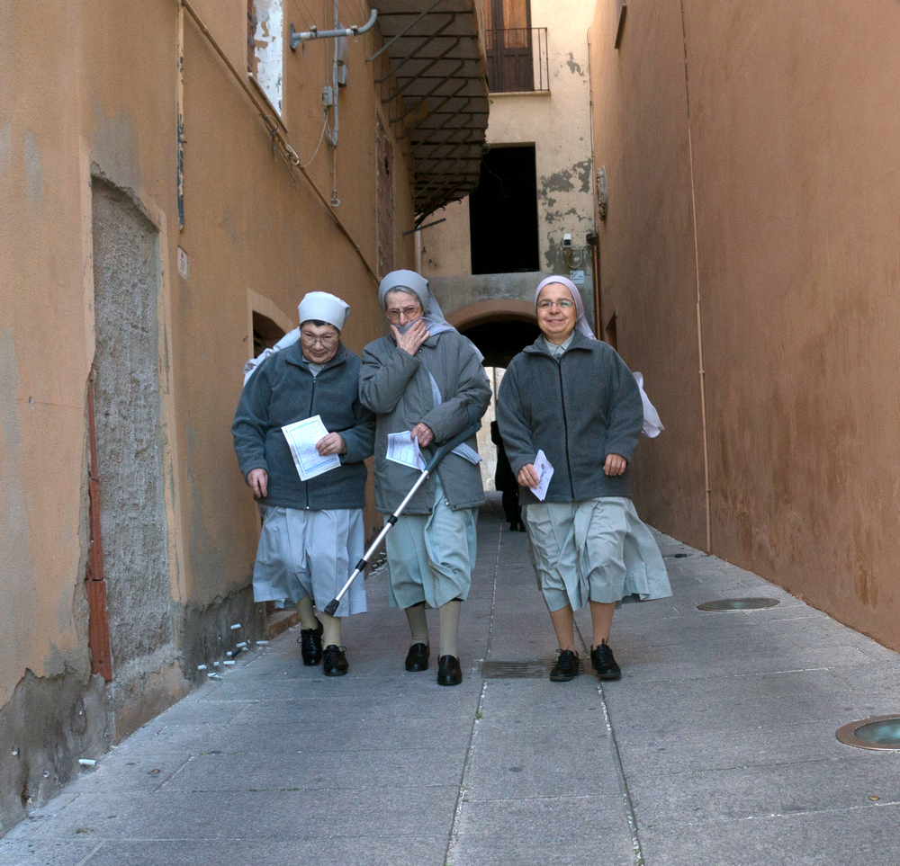 Sisters Cagliari Sardinia.jpg
