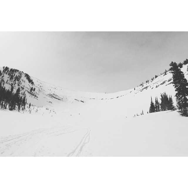 Today we got fresh turns on Little Tuckermans Ravine. Thought of the east coast while ripping down middle. #thedoublefold