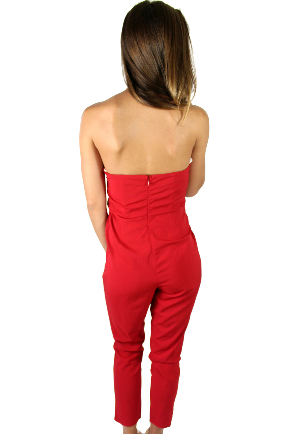 Lady in red.Dressy rompers are a hot trend right now in the red carpet!