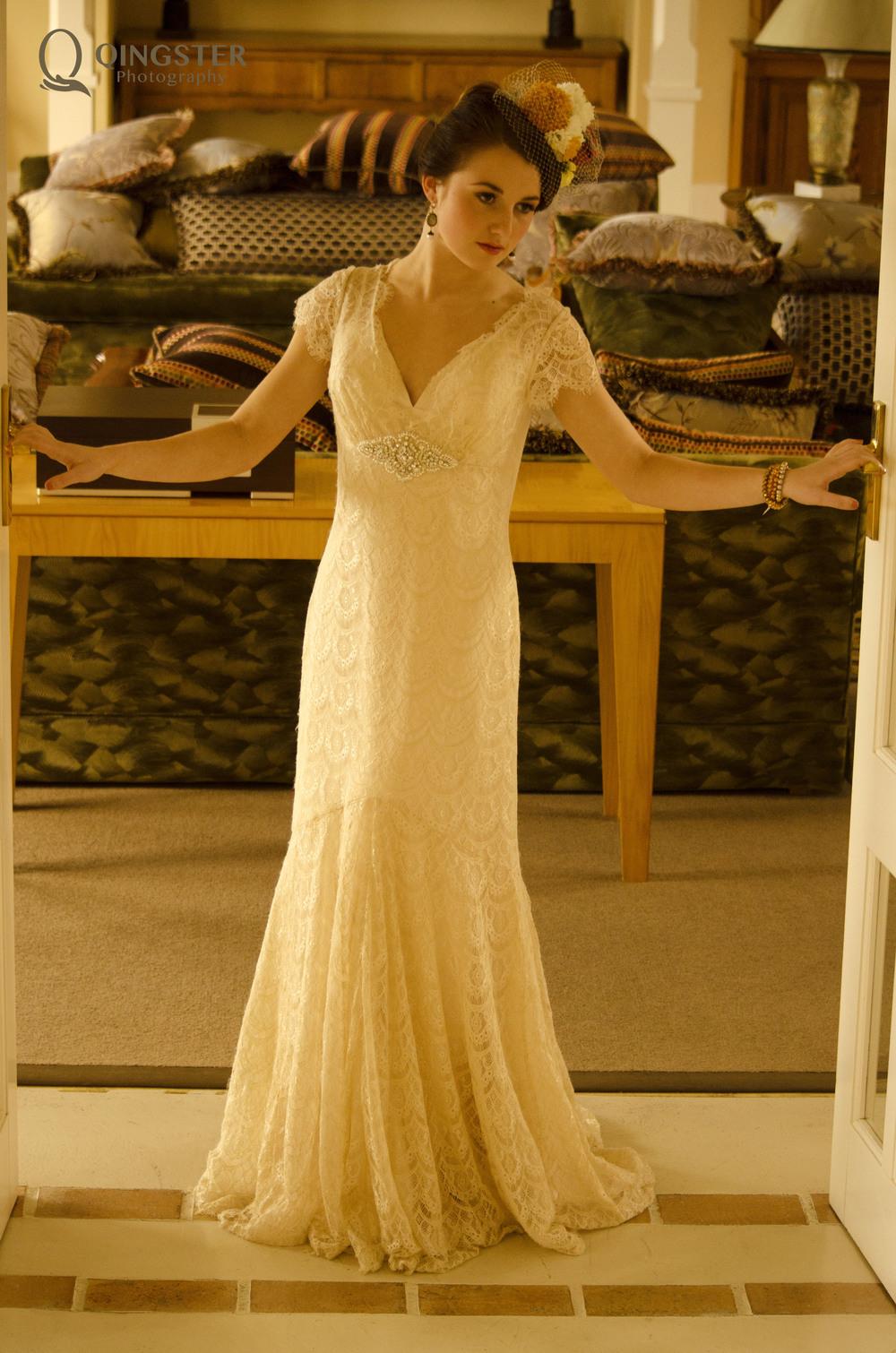 在  Edwardian  年代的房间中,印度与日本式样的丝绸家纺也比比皆是。。。