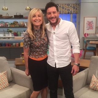 Matt Cardle Fiona Phillips.jpg