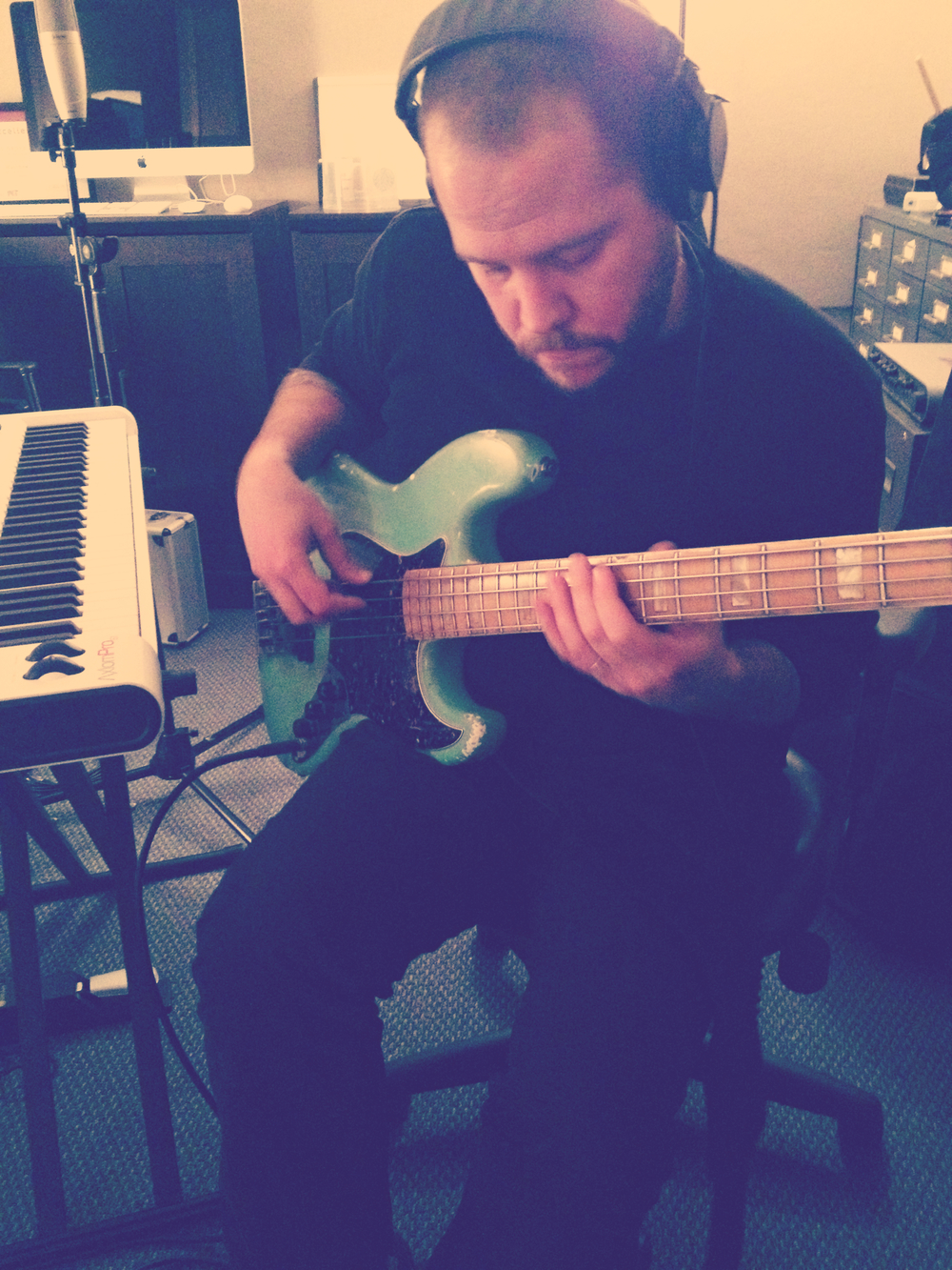 Jeff on electric bass.