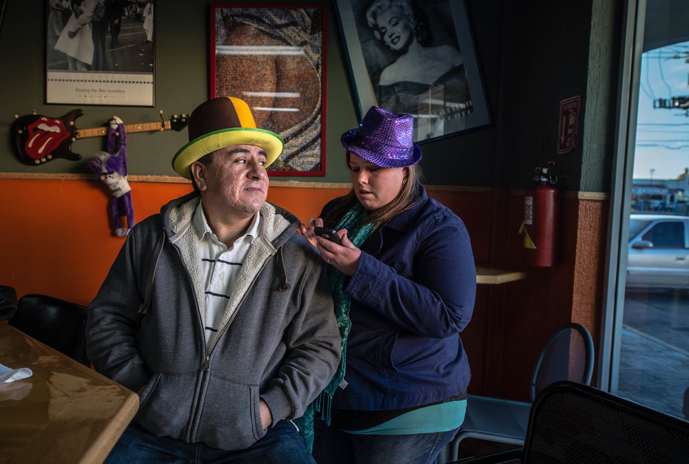 Emily Cruz enjoys a break with her husband, Raymundo, at a favorite bar in Ciudad Juárez called Shadow Davidson. (Roberto E. Rosales/Albuquerque Journal)