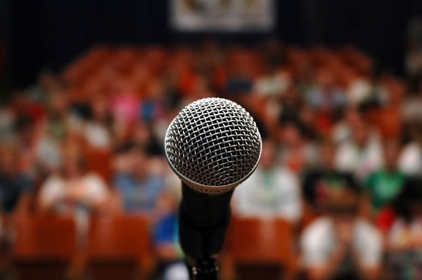 microphone-audience.jpg