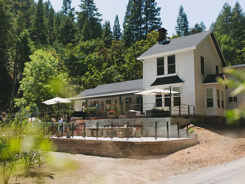 Guerneville Farmhouse Retreat for 12