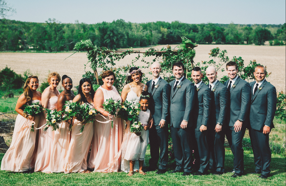 Katie_Joe_Country_Missouri_Farm_Wedding_7.png