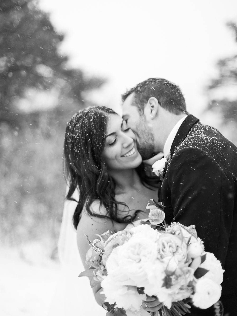 Carolyn-Eddie-Coloraodo-Winter-Wedding-9.jpg