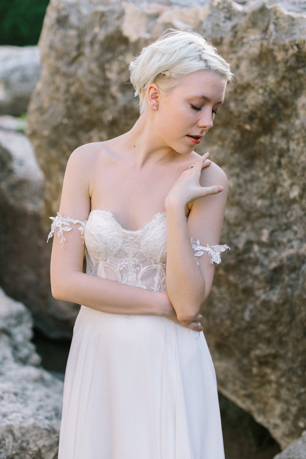 Ellen-Ashton-Photography-a&be-bridal-shop-made-with-love-bridal-Australia8.jpg