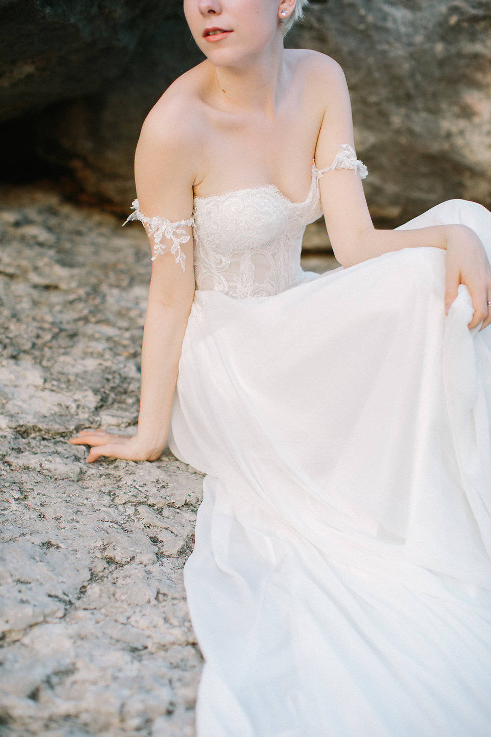 Ellen-Ashton-Photography-a&be-bridal-shop-made-with-love-bridal-Australia53.jpg
