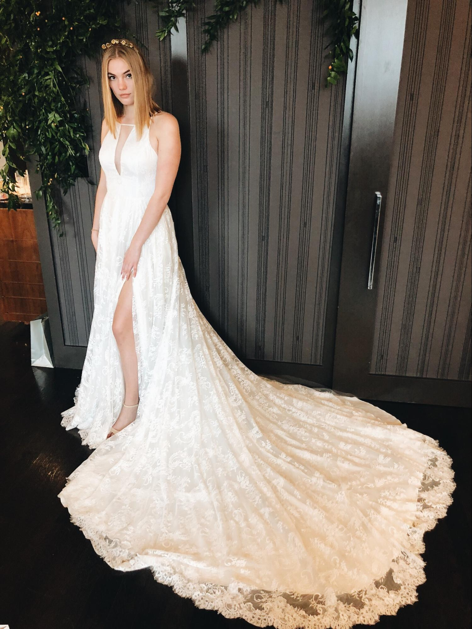 Wedding Dresses We Loved From New York Bridal Fashion Week A Be