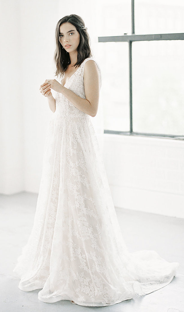 - Anais Anette 'Emie' Wedding Dress