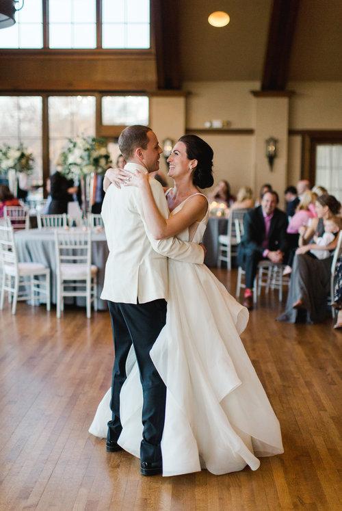 Hayley Paige Bridal Wedding Dressesabé Bridal Shop