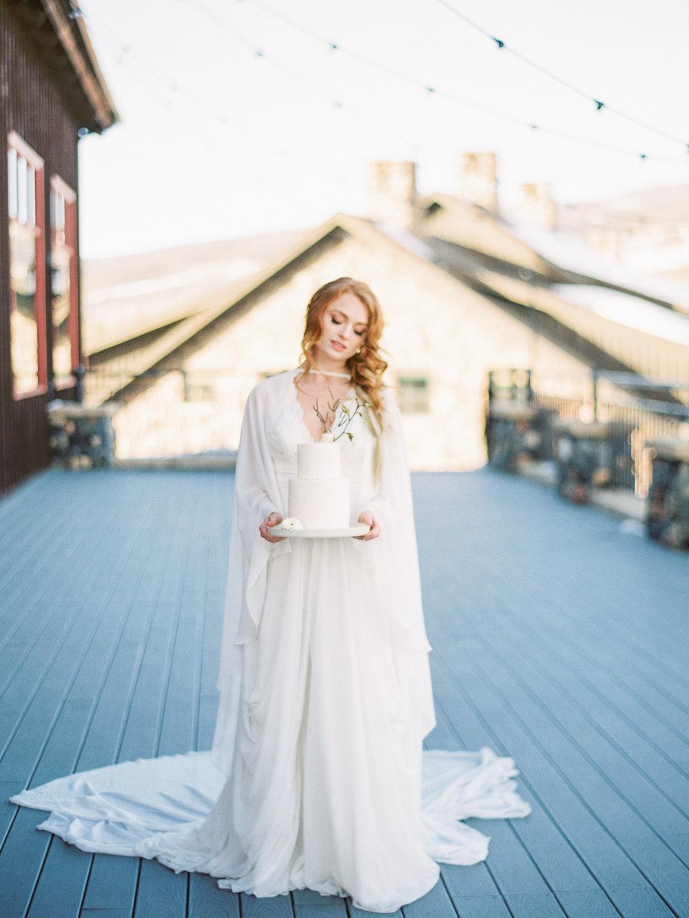 Dani-Cowan-Photography-Devils-Thumb-Ranch-Winter-Luxury-Wedding136.jpg