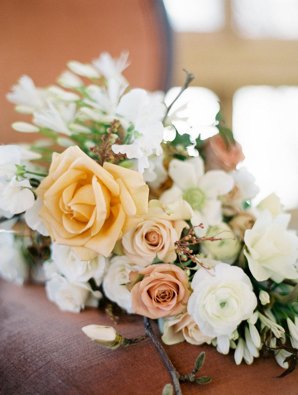 Dani-Cowan-Photography-Devils-Thumb-Ranch-Winter-Luxury-Wedding15.jpg