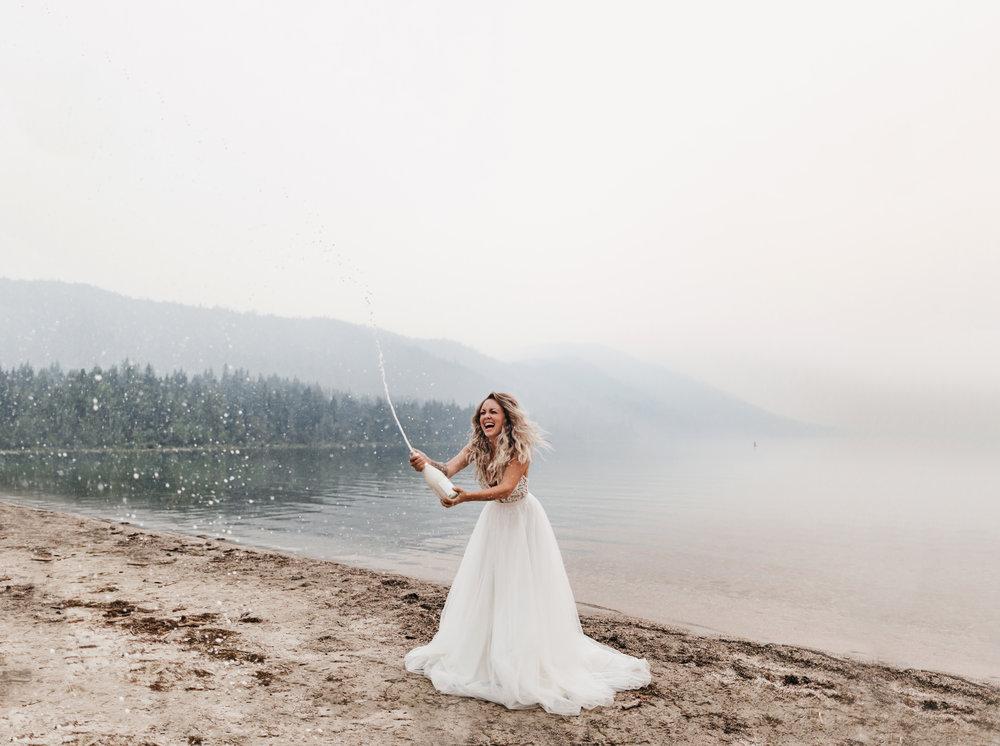 dress: Sara by Truvelle, Photo: Athena & Camron