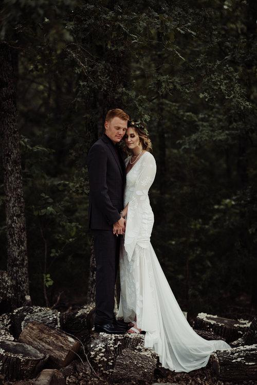 Real Wedding Alexandria Mitchell Romantic Boho Barn