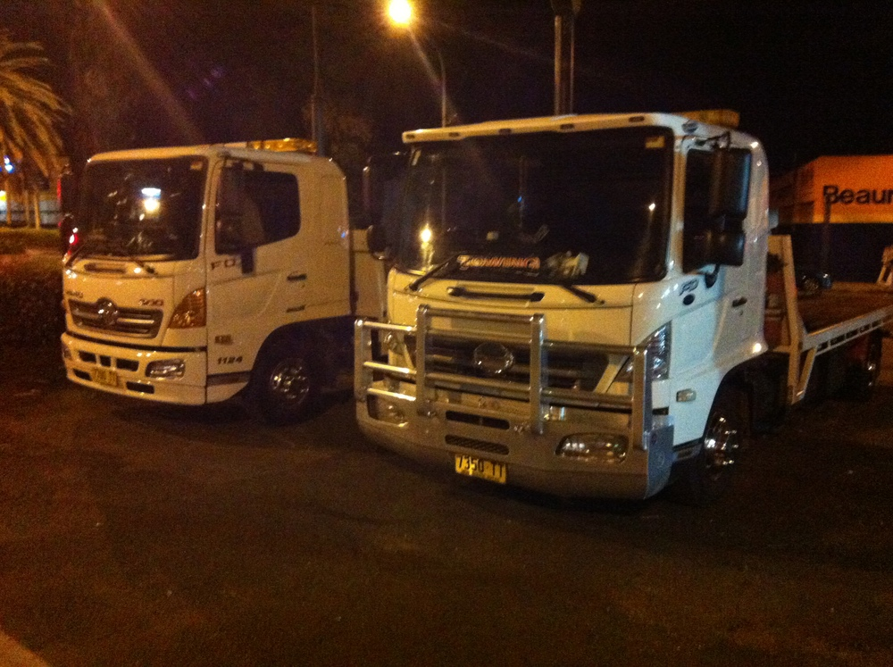 christmas trucks ready to tow around sydney.jpeg