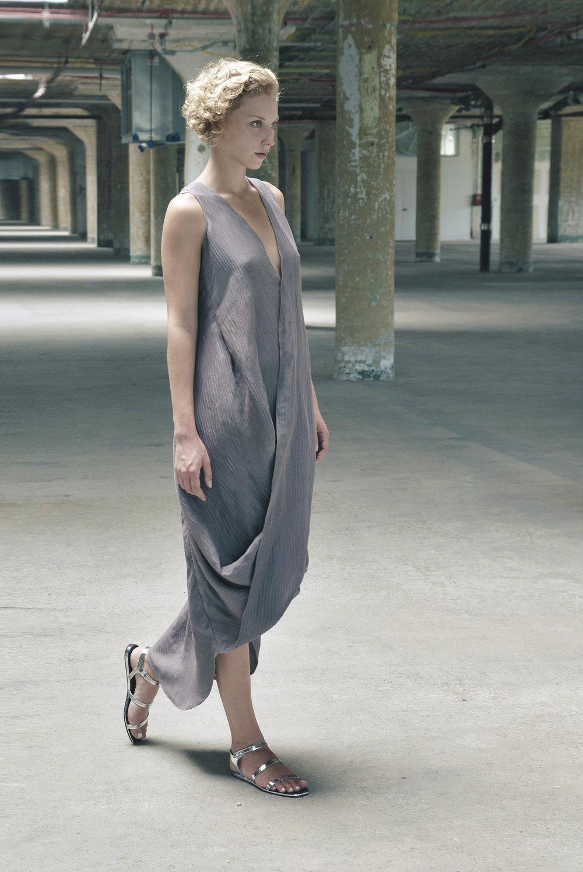 dress2c b.jpg