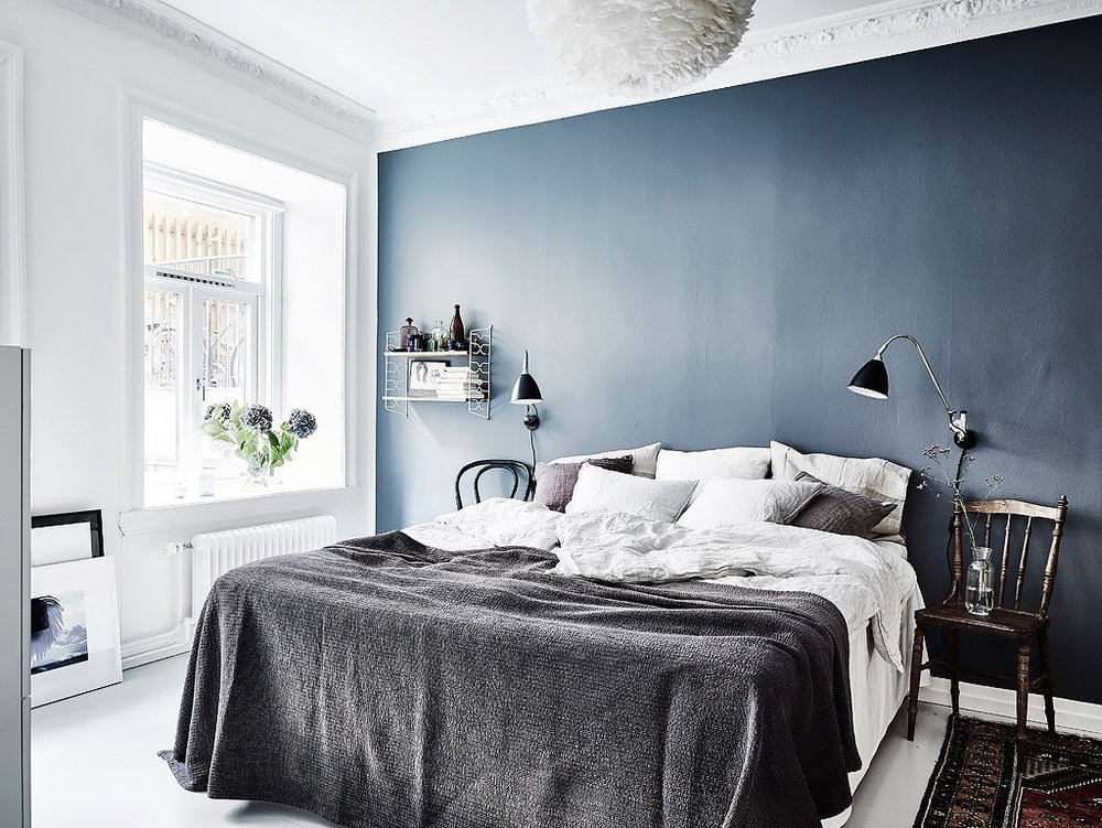 COCO LAPINE DESIGN | Blue Bedroom Wall