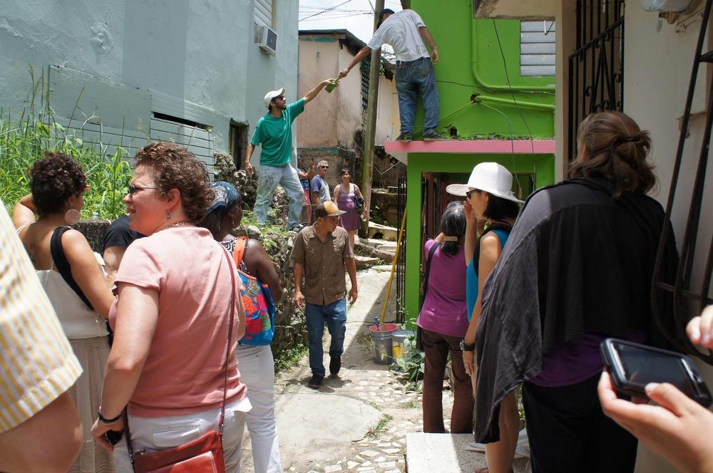 Cerro volunteers and tourists.jpg