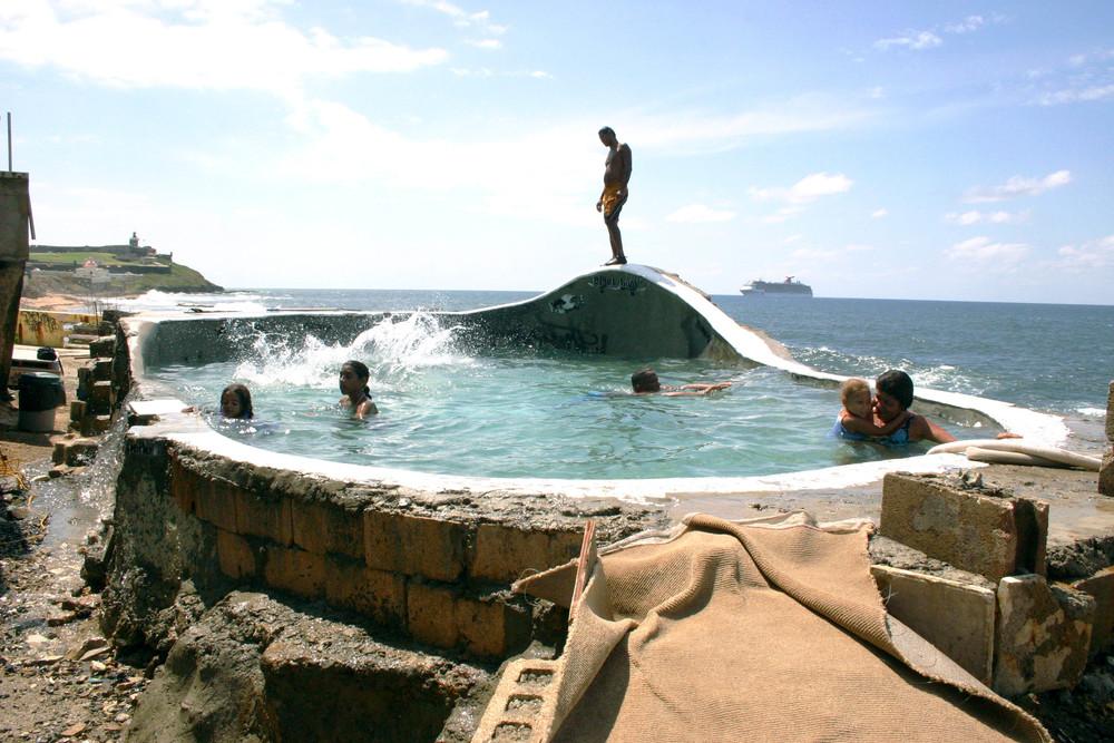 Bowl la Perla (pool).jpg