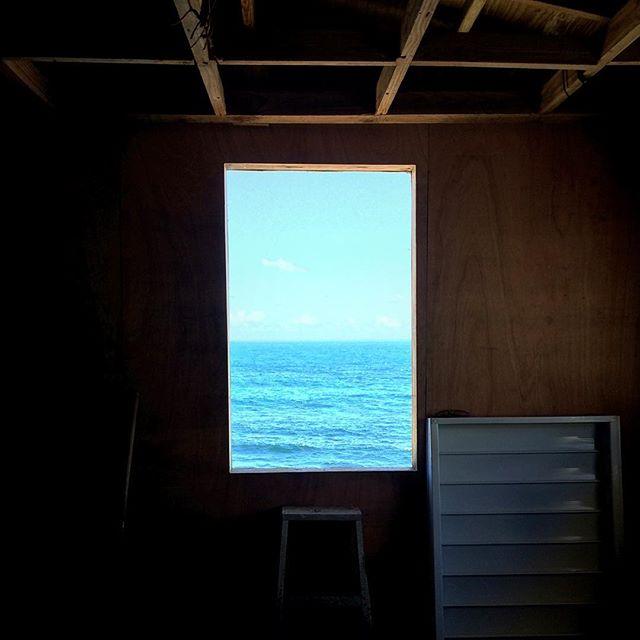 Que ventanas!!!! #laperlapr #ventanalaperla #elbarrioresiste La@ventana de un amigo✊🏾!