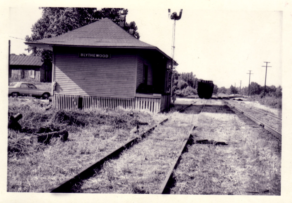 South end of depot.  Photo by Hudnalle McLean Sr. in June 1968.
