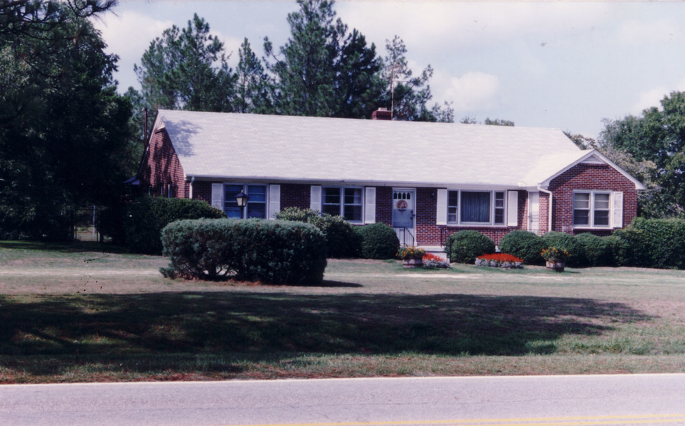 Sandy Level Baptist Parsonage which was located at the corner of Boney Rd and Blythewood Rd.  Photo taken in 1992 by Hudnalle McLean Sr.