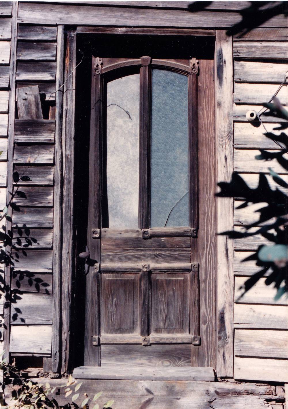 Front Door to Claude Bundrick Home.  Photo by Harold Branham.