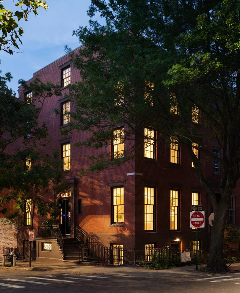 """At Home: A Modern Landmark in Brooklyn Heights"" September 2016"