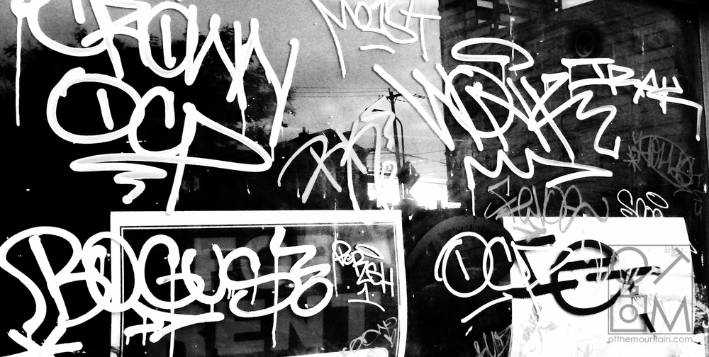 Philly - Girard - Graffiti Sunset BW
