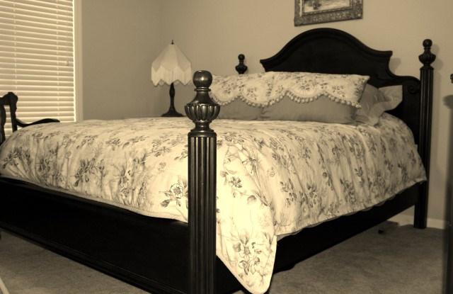 ANTIQUE BED (Custom).JPG