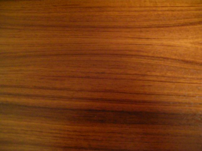 Teak_wood_by_bonz_paolo.jpg