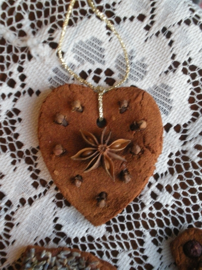 Anise star heart