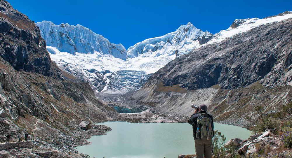 Photographing a glacial lake near Huaraz, Peru