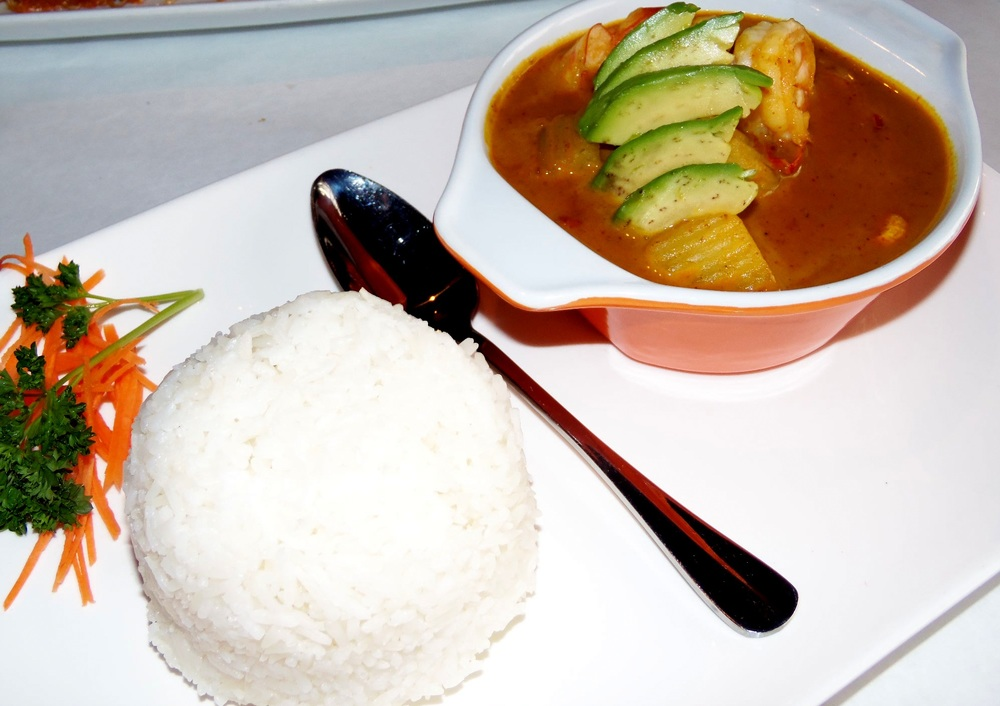 Shrimp masaman curry with rice