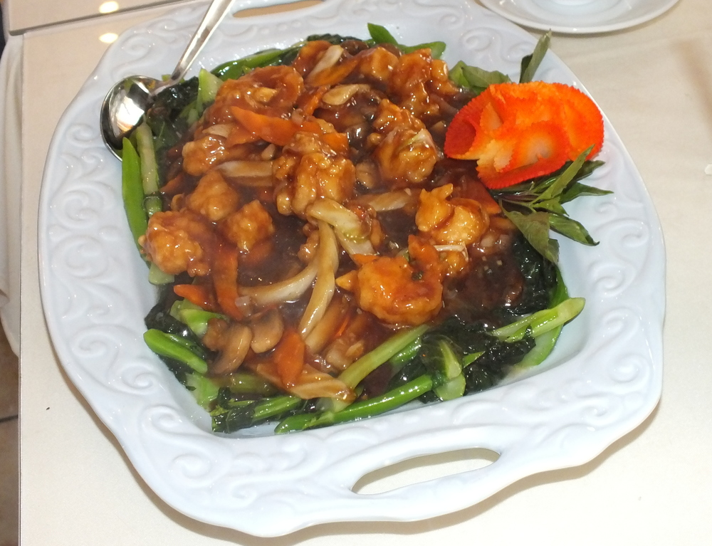 Shrimp and scallops with chinese broccoli