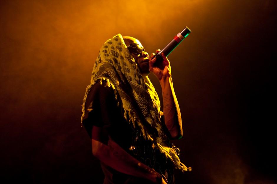Kwasi workin' that mic - Tinchy Stryder