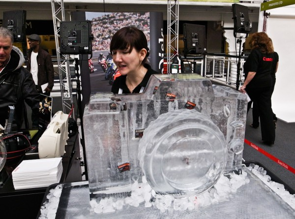 SanDisk puts memory in Ice cold Canon